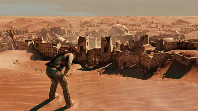 Ein durstiger Nathan Drake verschnauft in der Wüste.