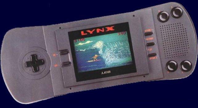Der Atari Lynx mit seinem Farbbildschirm steht in den Startlöchern, als der Game Boy erscheint, ist aber viel teurer.