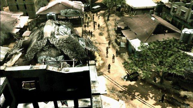 Ein Blick aufs Dorf. Man kann erahnen, wie zombiehaft die Personen laufen