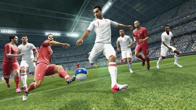 Die Spielermodelle sehen erstklassig aus, ansonsten bleibt die Optik auf Vorjahresniveau.