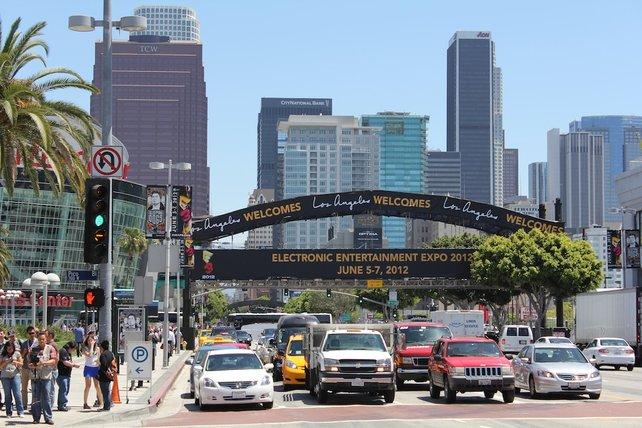 Vor den Toren der Spielemesse E3.