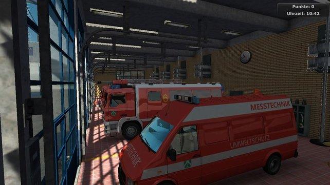 Einsatzwagen parkt ihr am Ende eines Tages in der Garage der Feuerwache.