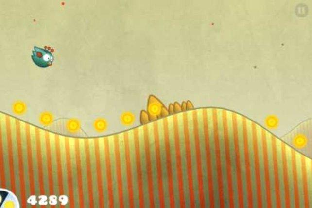 Nutzt die Hügel, um schneller zu fliegen. Und sammelt nebenbei die Münzen ein - mit denen bekommt ihr mehr Punkte.