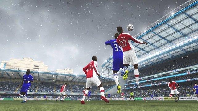 Schneefall in Anfield, das dicke Lizenzpaket sorgt für viel Atmosphäre.