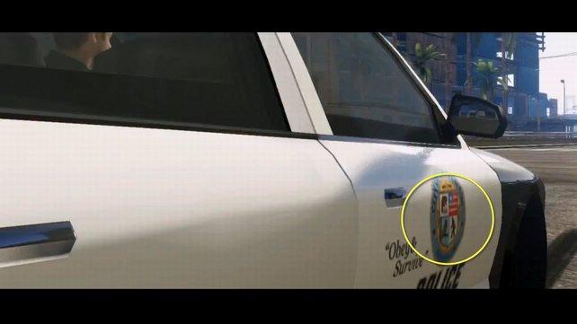 Bigfoot ist kurz auf dem Wappen eines Polizei-Wagens zu sehen.