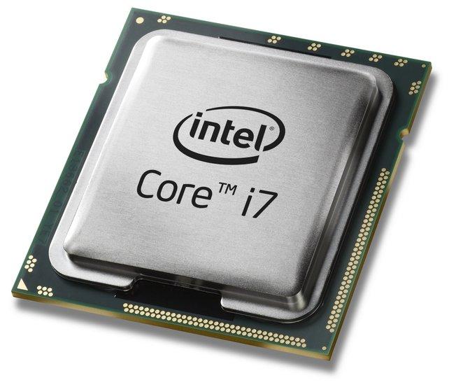 So sieht ein Prozessor aus - in diesem Fall ein Intel Core i7. In fertigen PCs versteckt er sich unter einem Lüfter.