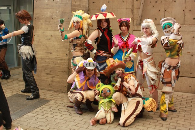 Japanische Cosplayer auf der Tokyo Game Show 2011.