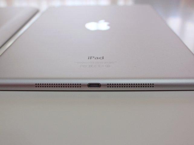 Das neue iPad verfügt erstmals über Stereolautsprecher an der Unterseite.