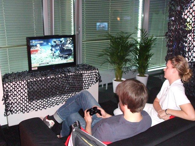 Gemütlich bei Nintendo auf der Couch rumwanzen und Xenoblade spielen - so mögen wir das.