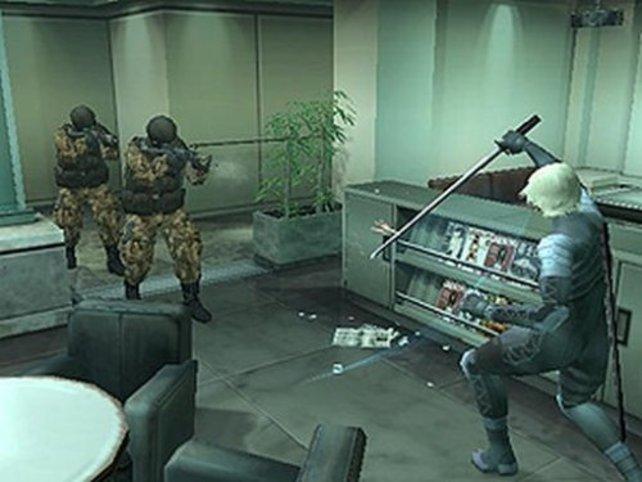 In den VR Missionen darfst du den Tanker mit Raiden und seinem Ninjaschwert unsicher machen.