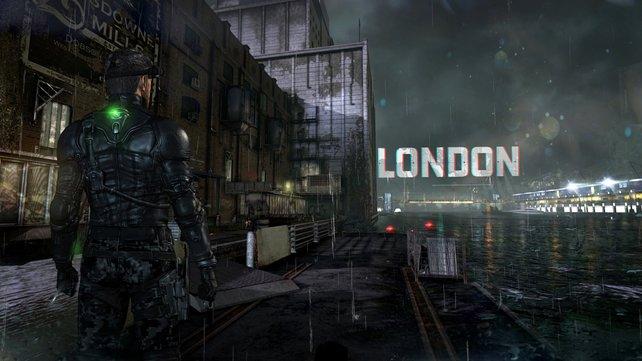Sauwetter: Wie es sich gehört, regnet es in der englischen Hauptstadt. Das Spiel fängt diese Atmosphäre durch seine Regen- und Wassereffekte super ein.