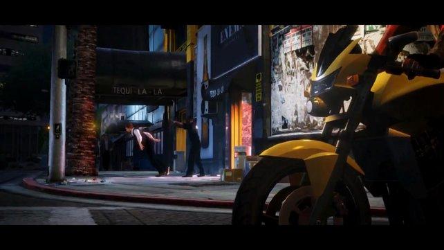 Im vorderen Bildbereich erkennt ihr ein Motorrad.