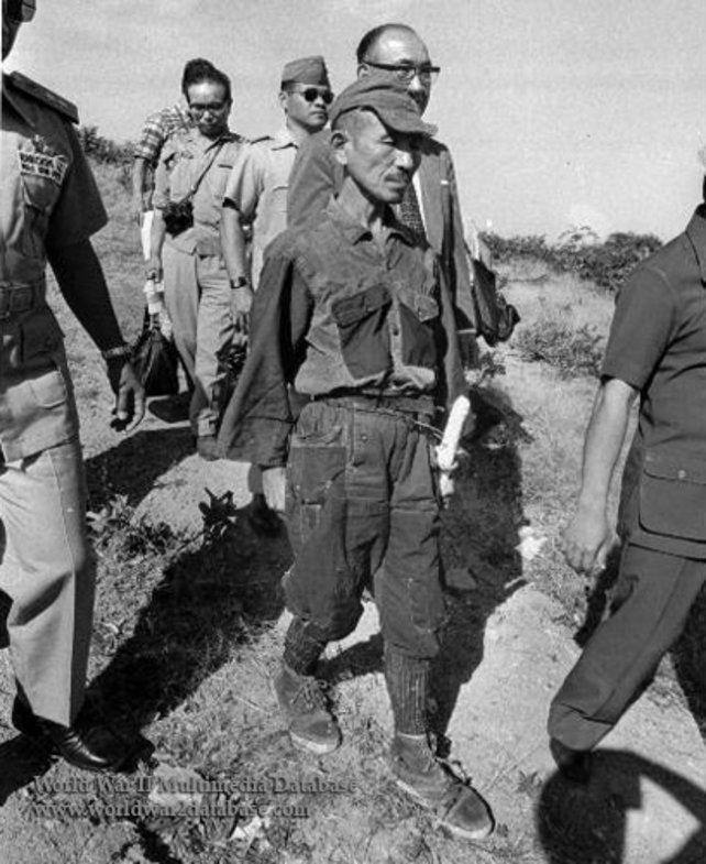 Kein Witz: Der Herr in der Mitte hielt bis 1974 die Weltkriegs-Stellung.