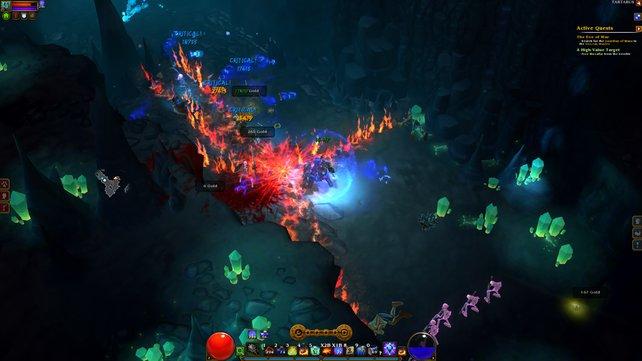 Effektgewitter von schräg oben: Torchlight ähnelt Diablo 3 stark, Diablo 2 spielerisch noch stärker.