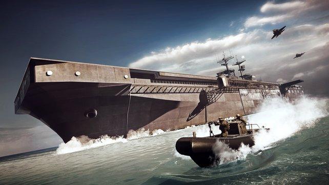 Die beiden Flugzeugträger halten dem Bombardement der Abwehrkanonen nur für eine begrenzte Zeit stand.