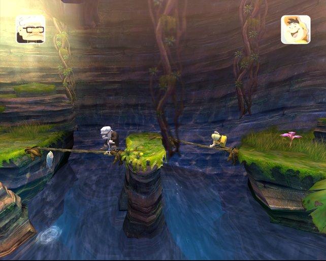 Typisch Jump'n'Run: Carl und Russell balancieren über einen Abgrund.