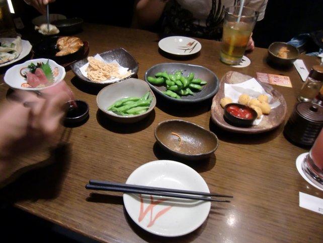 Raffiniert und lecker sind Häppchen wie Edamame, Gyoza oder Yakitori.