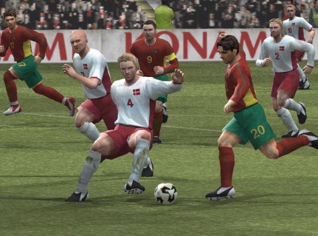 Ein Zweikampf um den Ball
