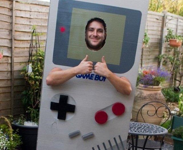 Kein potentieller Kunde auf der Welt dürfe weniger Game-Boy-verrückt als dieser Typ hier sein!
