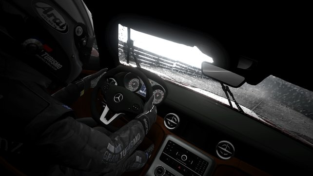 Bevor ihr in noblen Sportwagen Platz nehmt, steht ein gutes Stück Arbeit an.