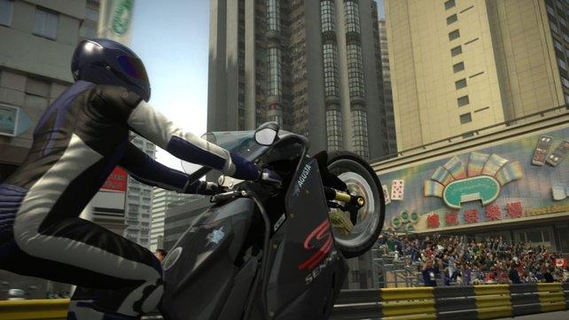Ein Wheelie mit dem Motorrad bringt viele Kudos.