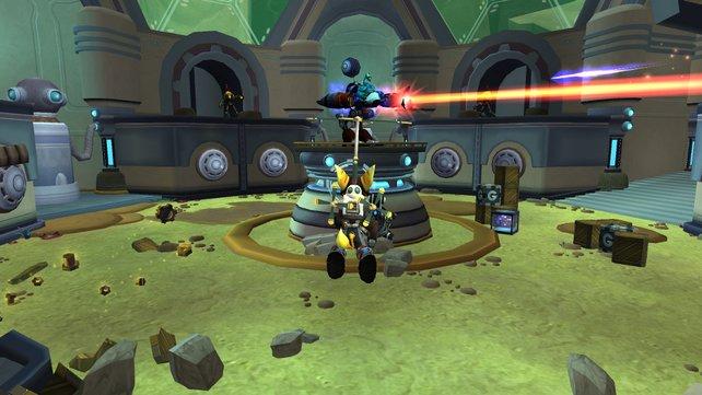 Ratchet und Clank kämpfen immer mit vollem Körpereinsatz.