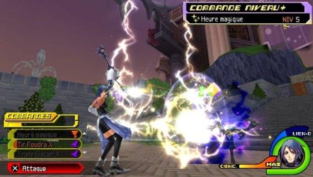 Aqua macht es vor: Nutzt die Kommandos, um Gegner so schnell wie möglich zu besiegen.