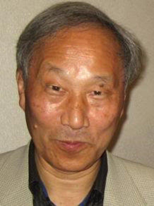 Masayuki Uemura (geboren 1943) entwirft das SNES wie schon 1983 dessen Vorgänger.