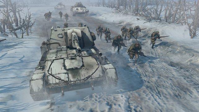 Panzer, Artillerie, Infanterie - jedes Kriegsgerät entspricht der historischen Vorlage.