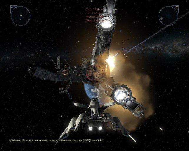 Damit sich große Schiffe nicht weiter der Erde nähern, zerstört ihr zuerst deren Antriebe.