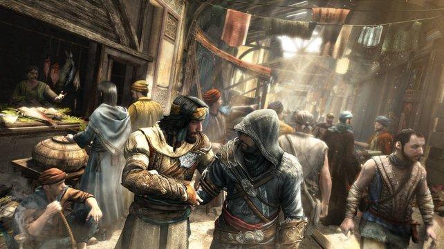 Obwohl Ezio (hier rechts) mittlerweile 50 Jahre alt ist, ist er immer noch ein Meuchelmörder.