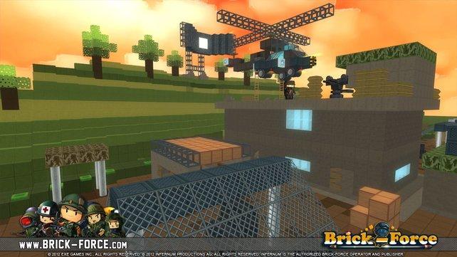 In Brick-Force könnt ihr die Kulissen für eure Kämpfe selbst gestalten.