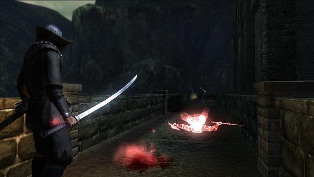 Die Blutlache bedeutet Obacht! Ein anderer Spieler ist hier gestorben.