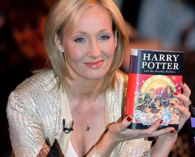 J. K. Rowling, die geistige Mutter Harry Potters, mit ihrem (vorerst) letzten Zauberroman.