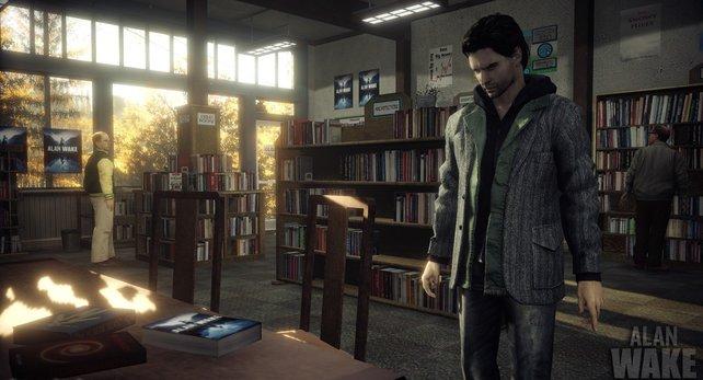 Tagsüber stöbert ihr in öffentlichen Einrichtungen nach Infos - wie hier in der Stadtbibliothek.