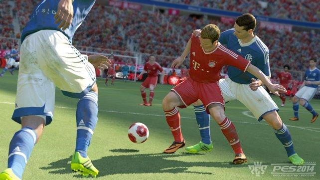 Dribblings fallen in PES 2014 leicht und führen häufig zum erfolgreichen Passieren des Gegenspielers.
