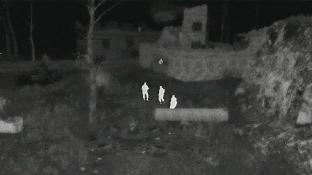 Mit der Drohne sichtet ihr Feinde sicher und präzise aus der Deckung heraus.