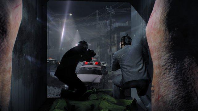 Schwein gehabt: In skurrilen Missionen ballert ihr euch mit Stil durch Polizistenhorden - trägt doch jeder der vier Ganoven einen feinen Anzug.