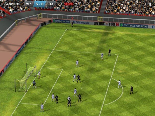 FIFA 14 auf dem iPhone bringt eine neue, gestenbasierte Steuerung mit.