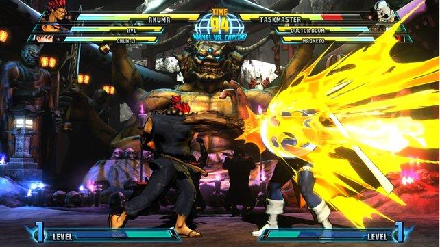 Akuma gegen Taskmaster: grellbunt und schlagkräftig.