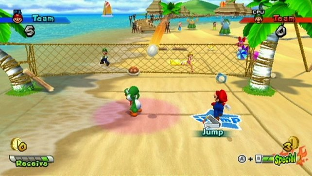 Volleyball am Strand.