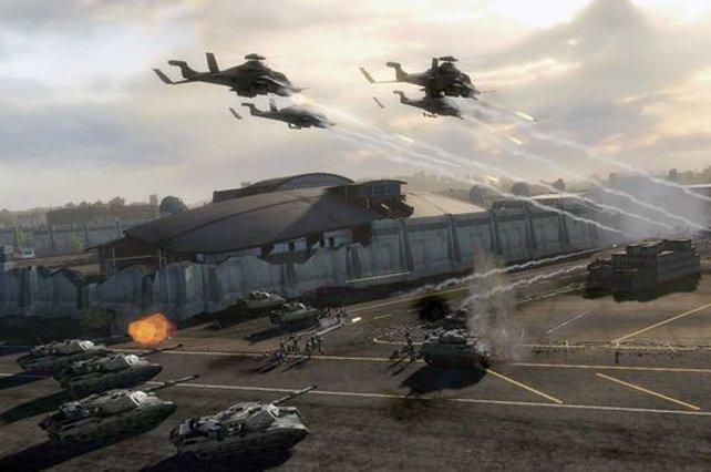 Helikopterangriffe untersützen die Panzer.