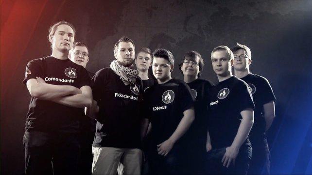 Team WUSA vor dem Gefecht gegen ihre Erzfeinde von Synergy.