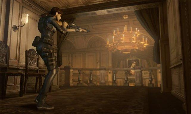 Jill alleine im schummrig beleuchteten Ballsaal: An Stimmung spart Capcom nicht.