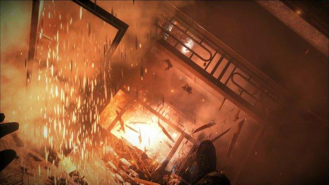 Bei Explosionen und Feuer-Effekten zeigt das Technik-Gerüst was es kann.