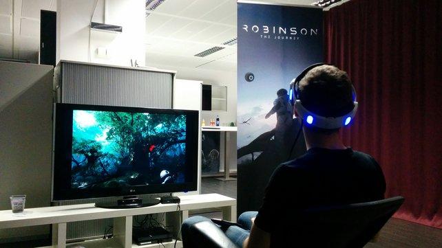 Auch auf dem Fernseher ist sichtbar, was ihr hinter eurer VR-Brille erblickt.