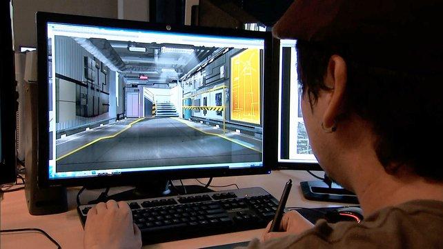 Ein Designer bestimmt, wie Levels im Spiel aufgebaut werden.