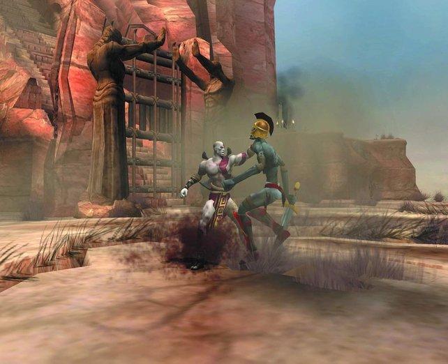 Und Schnapp! Wenn Kratos erstmal einen Gegner gepackt hat, kann der sich schon von seinen Eingeweiden verabschieden.