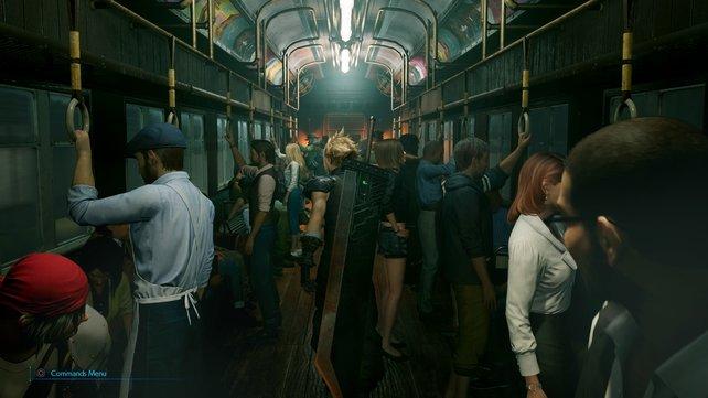Geht durch den Zug nach vorne, bis ihr in ein weniger volles Passagier-Abteil gelangt.