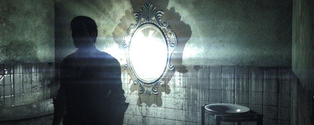 Hinter den Spiegeln liegt eine eigene Welt.